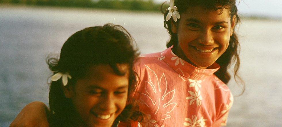 Jeunes Marquisiennes de Takaroa